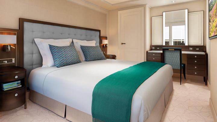 Mid Ship Suite with Balcony – [EE]
