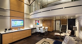 Grand Loft Suite with Balcony