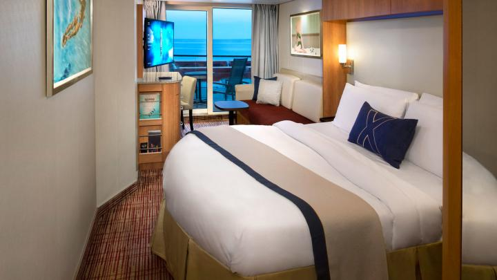 Deluxe Ocean View Stateroom with Veranda (Obstructed View) – [2D]