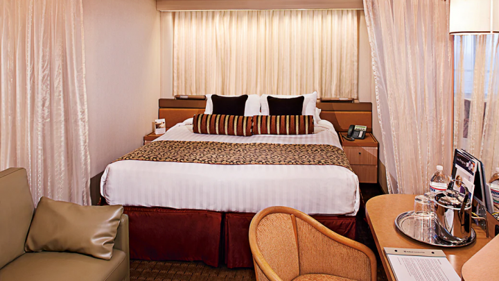 Large Ocean view Stateroom (Fully Obstructed View) – [H]