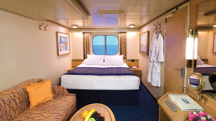 Large Ocean view Stateroom (Fully Obstructed View) – [HH]